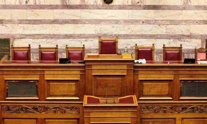 Συνταγματική εκτροπή: Δεν δίνουν την θέση του 5ου αντιπροέδρου στην τρίτη πολιτική δύναμη