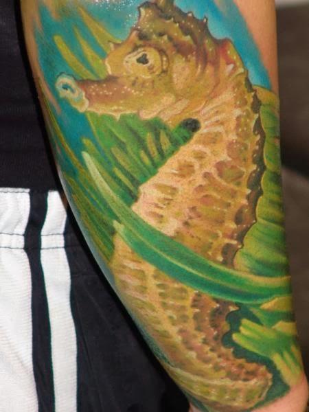 Tatuagem de Cavalo Marinho Realista