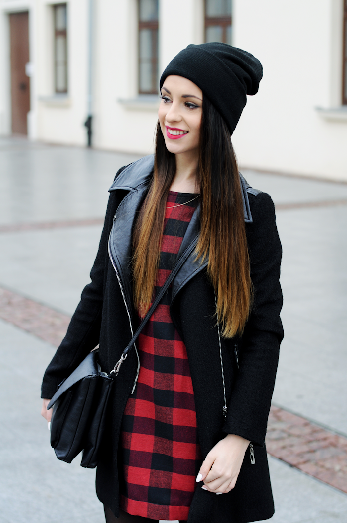 http://furioussquirrel.blogspot.com/2015/02/black-and-red-dress.html