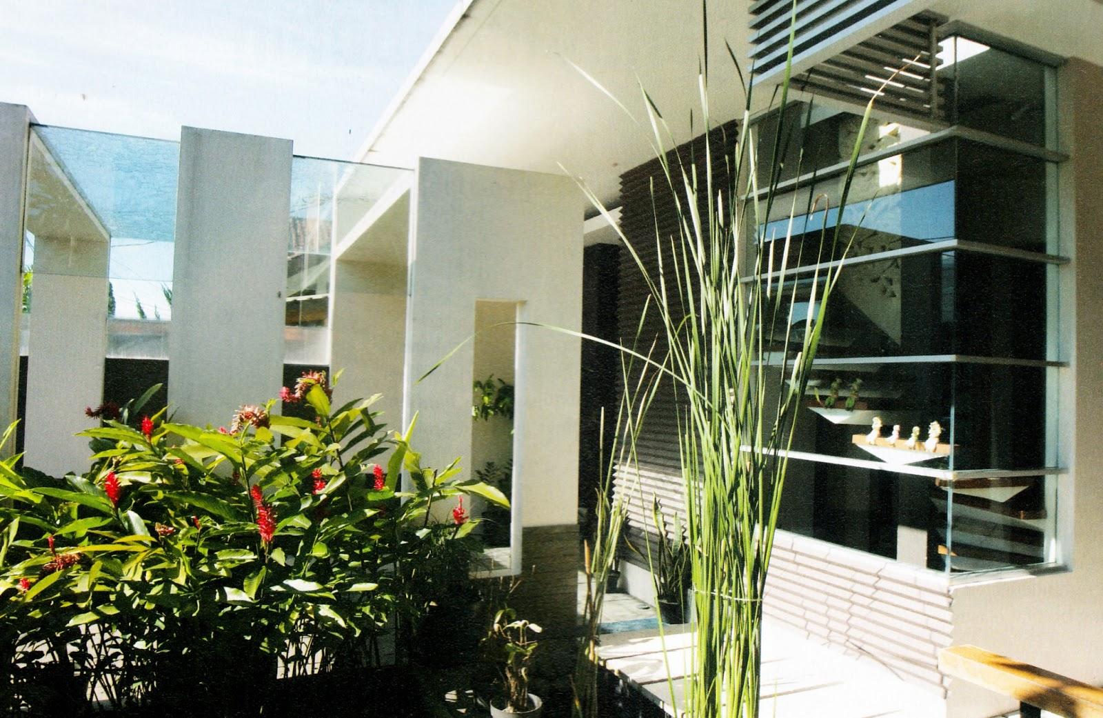 konsep modern minimalis dengan kaca beton rumah idaman kita