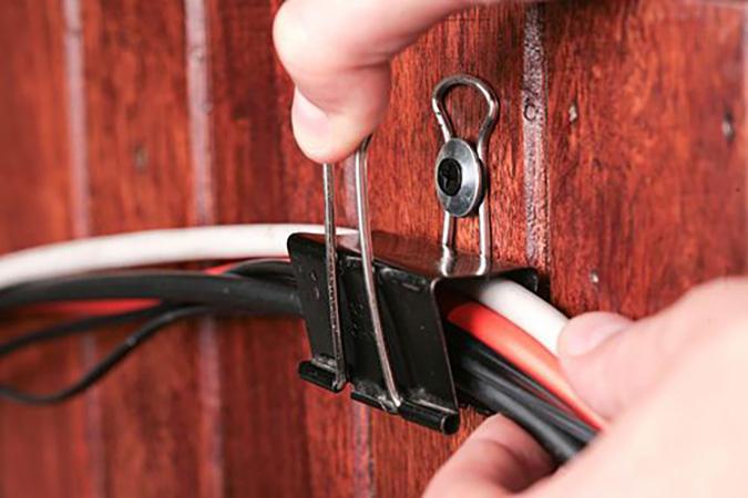Milowcostblog ideas para esconder los cables - Regleta para cables ...