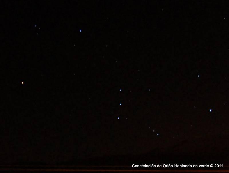 Resultado de imagen de un cielo negro de pocas estrellas