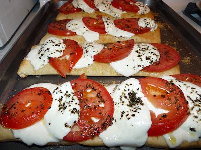 Tomato Mozzarella Caprese pizza