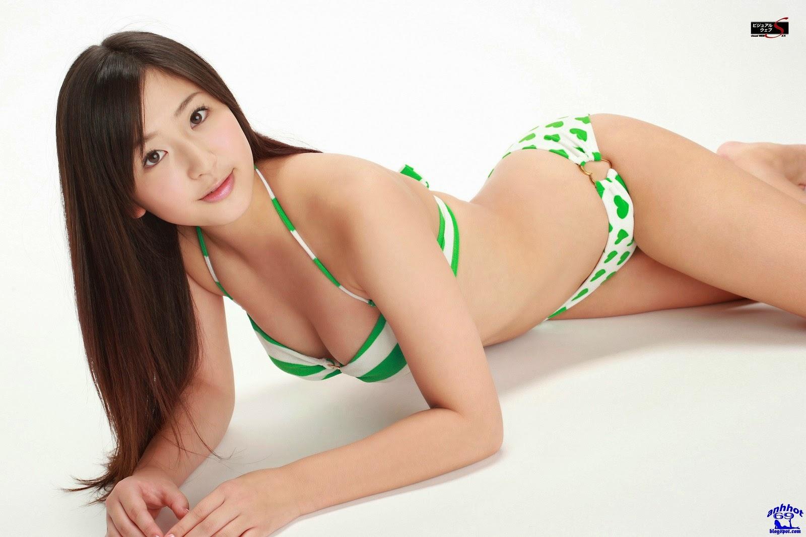 yuri-murakami-00562607