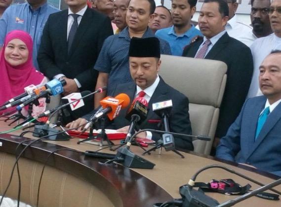Mukhriz letak jawatan sebagai Menteri Besar Kedah