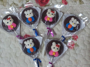 Hello Kitty Lollies