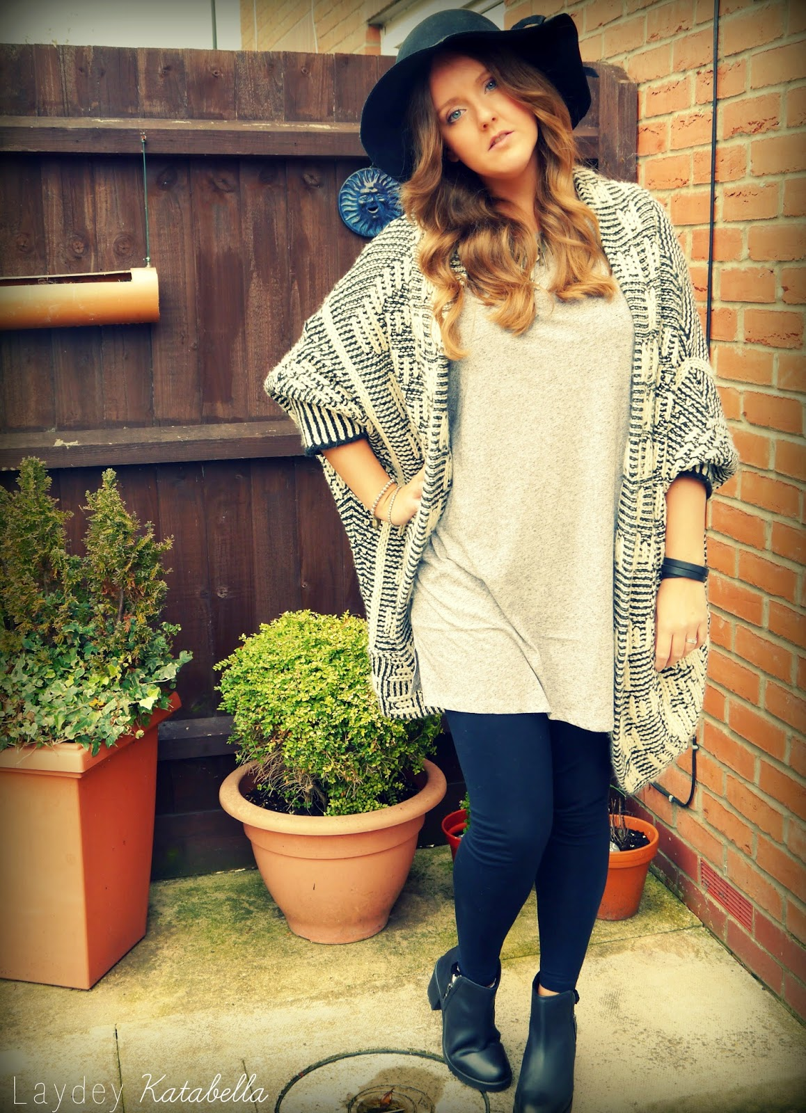photo of eBay floppy hat, topshop leggings, primark oversized cardigan, H&M grey t-shirt, New look leather ankle boots