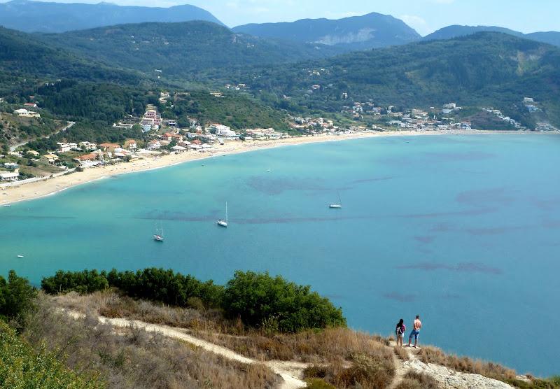 Blick auf die Bucht von Agios Georgios im Nordwesten Korfus