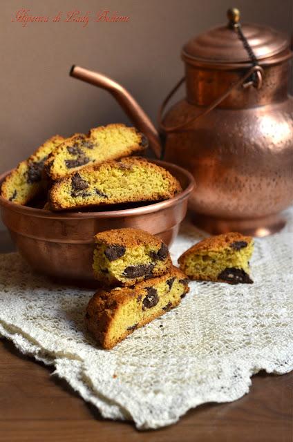 hiperica_lady_boheme_blog_di_cucina_ricette_gustose_facili_veloci_dolci_biscotti_cantucci_al_cioccolato