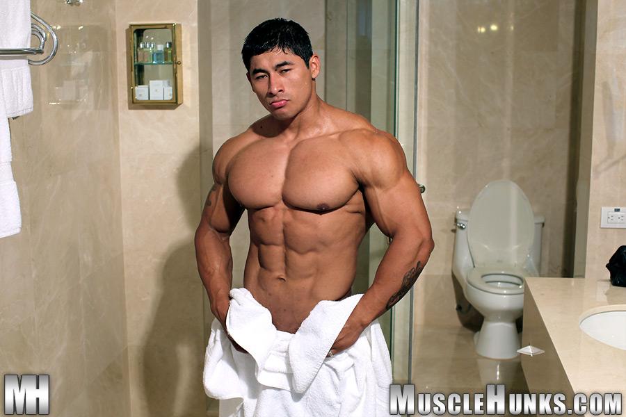 Bald latin muscle man Felipe Gigante