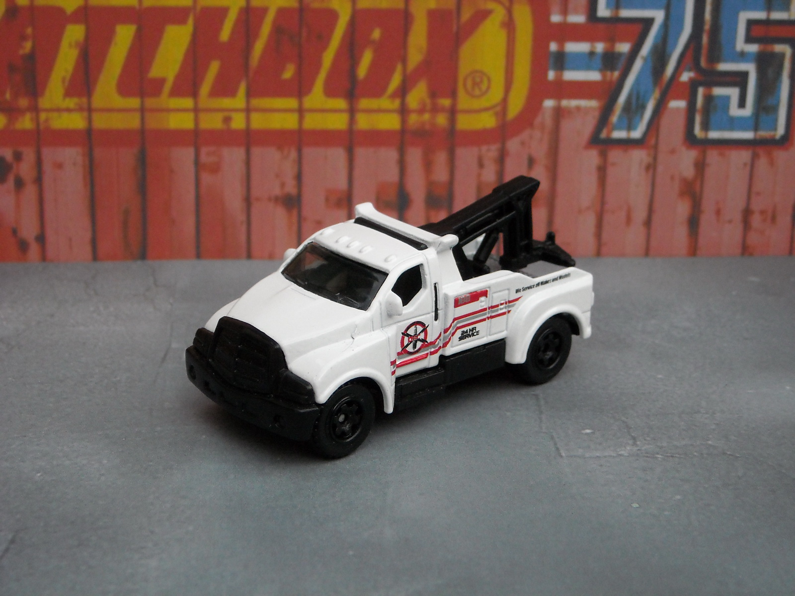 http://4.bp.blogspot.com/-lxqtgl5vfyE/Tkq3Itm1ysI/AAAAAAAADr0/JY9l29jOW44/s1600/matchbox_tow_truck_1.JPG