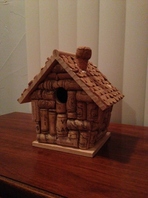 Geek girl goes domestic january 39 s craft cork birdhouse for How to build a birdhouse out of wine corks