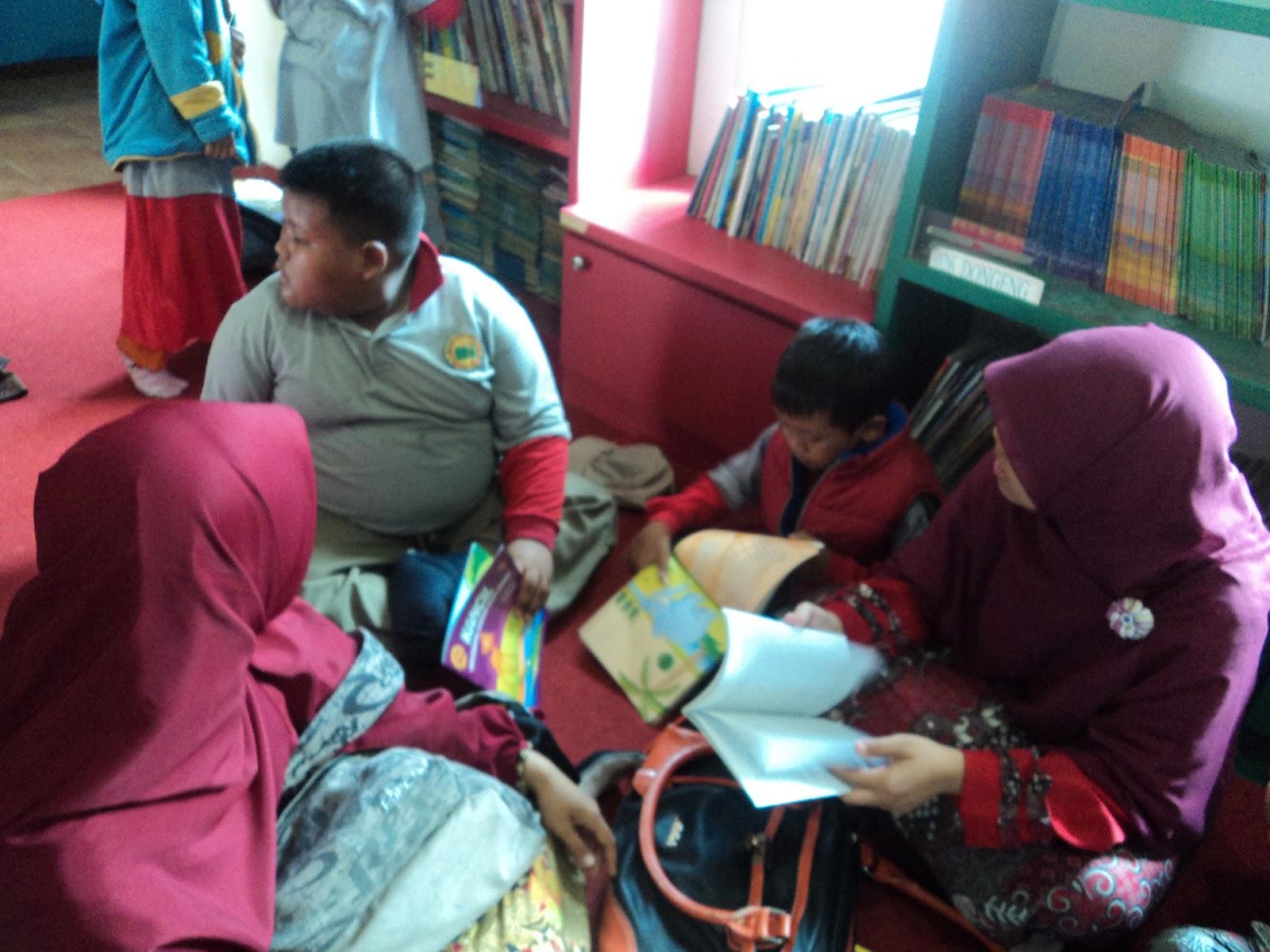 MI Plus Mutiara Islam - MI Plus Islam Surabaya