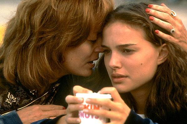 Natalie Portman contracena com Susan Sarandon
