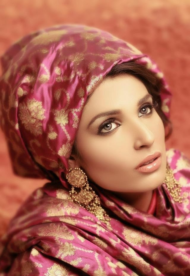 Amna Ilyas HD wallpapers Free Download