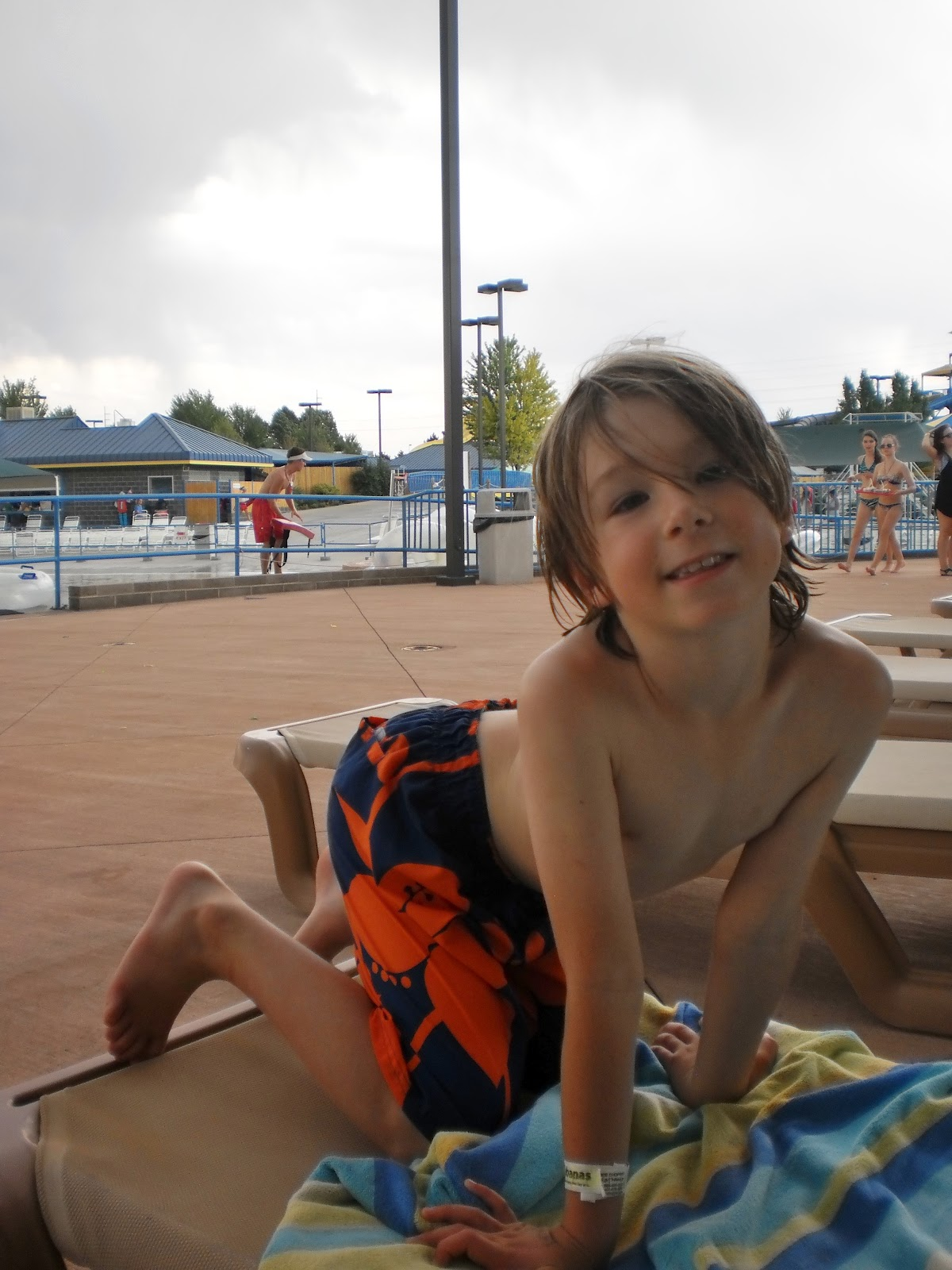 roaring springs single girls Come to roaring springs and participate in our fun events like and single soft serve ice cream full day admission for boy scouts and girl scouts (cubs.