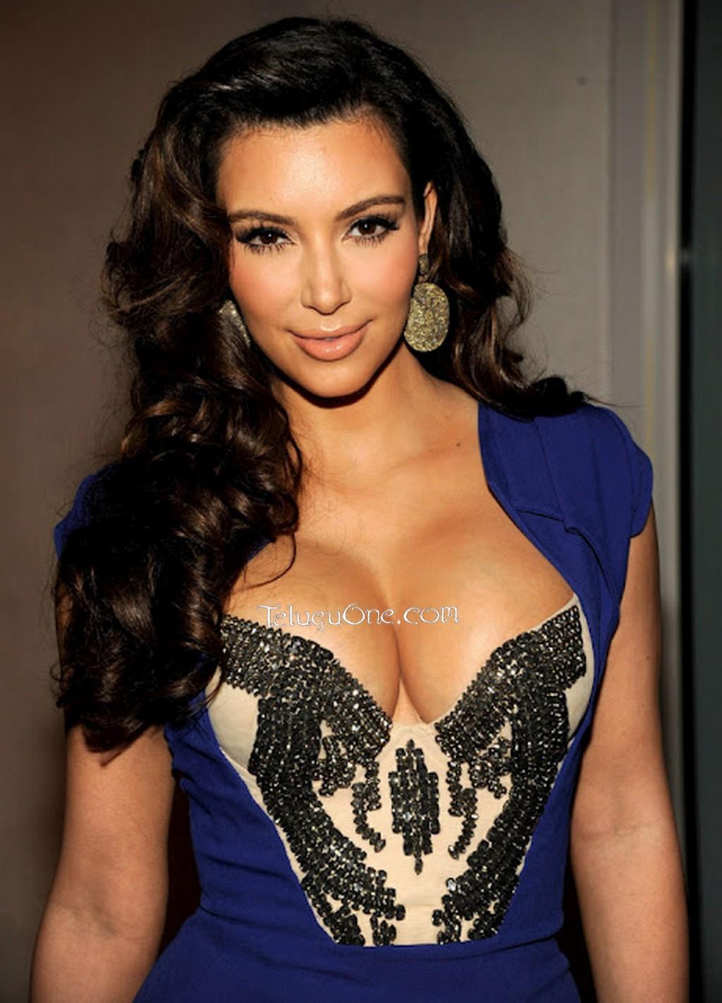 http://4.bp.blogspot.com/-lyUCJlalozk/USTIW_fLROI/AAAAAAAAHFc/BxEBsbahf78/s1600/Kim_Kardashian_Hot_Photos1.jpg