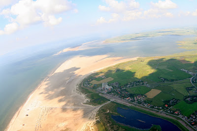 St. Peter-Ording: Fotos eines Tandem-Fallschirmabsprunges über dem ordinger Strand 42