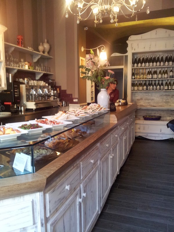 boiserie & c.: progetto commerciale: un bar dalle atmosfere familiari - Arredamento Shabby Per Bar