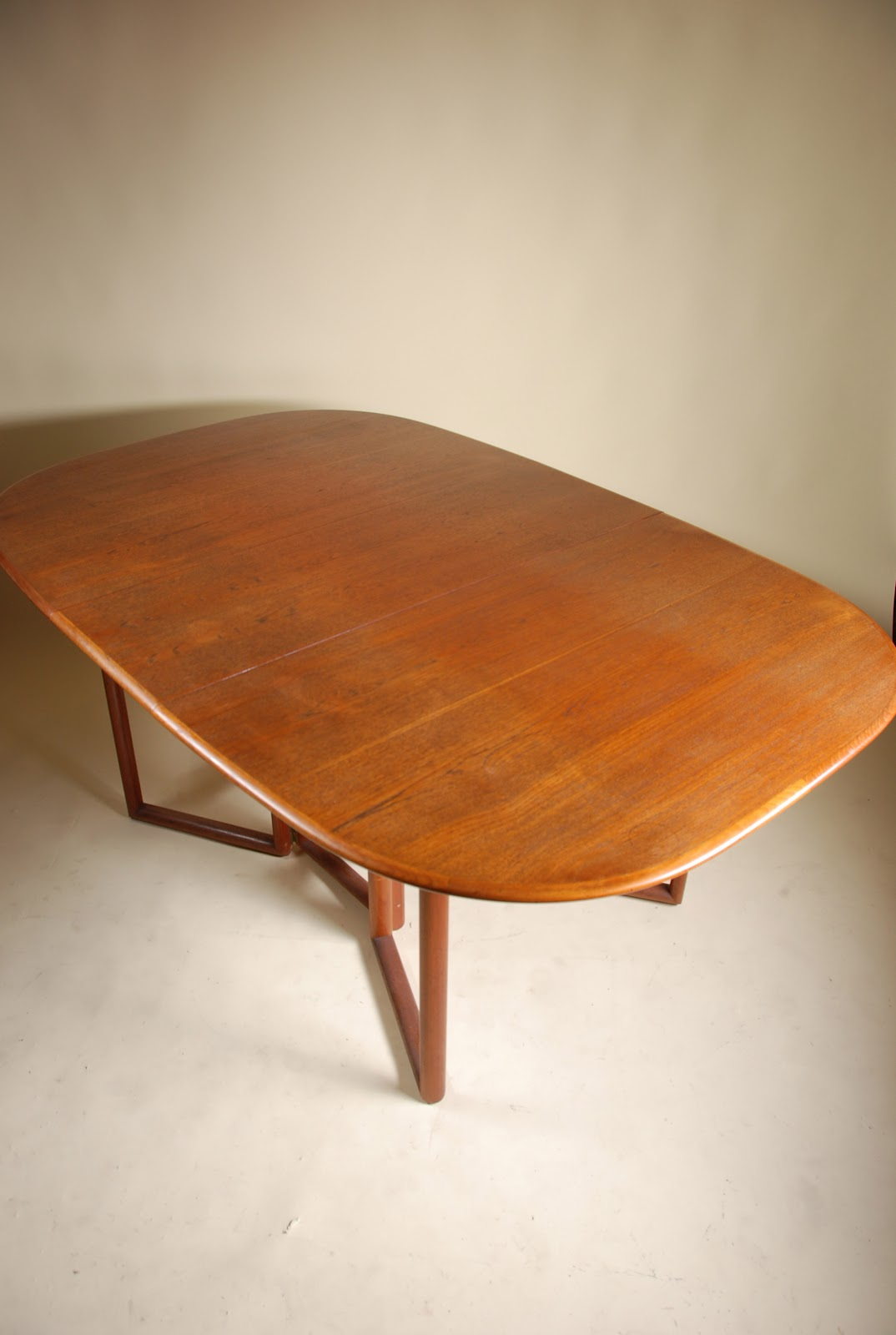 Mid century modern oval folding dining table