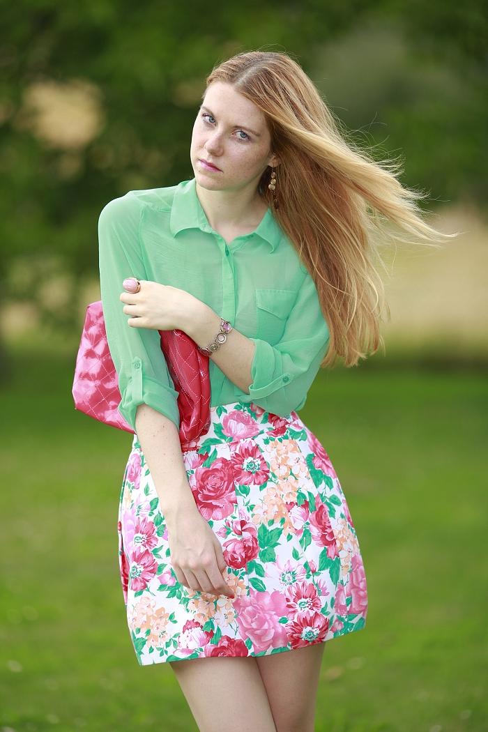 Lucie Srbová, módní blogerka, květovaná sukně, zara, léto trendy
