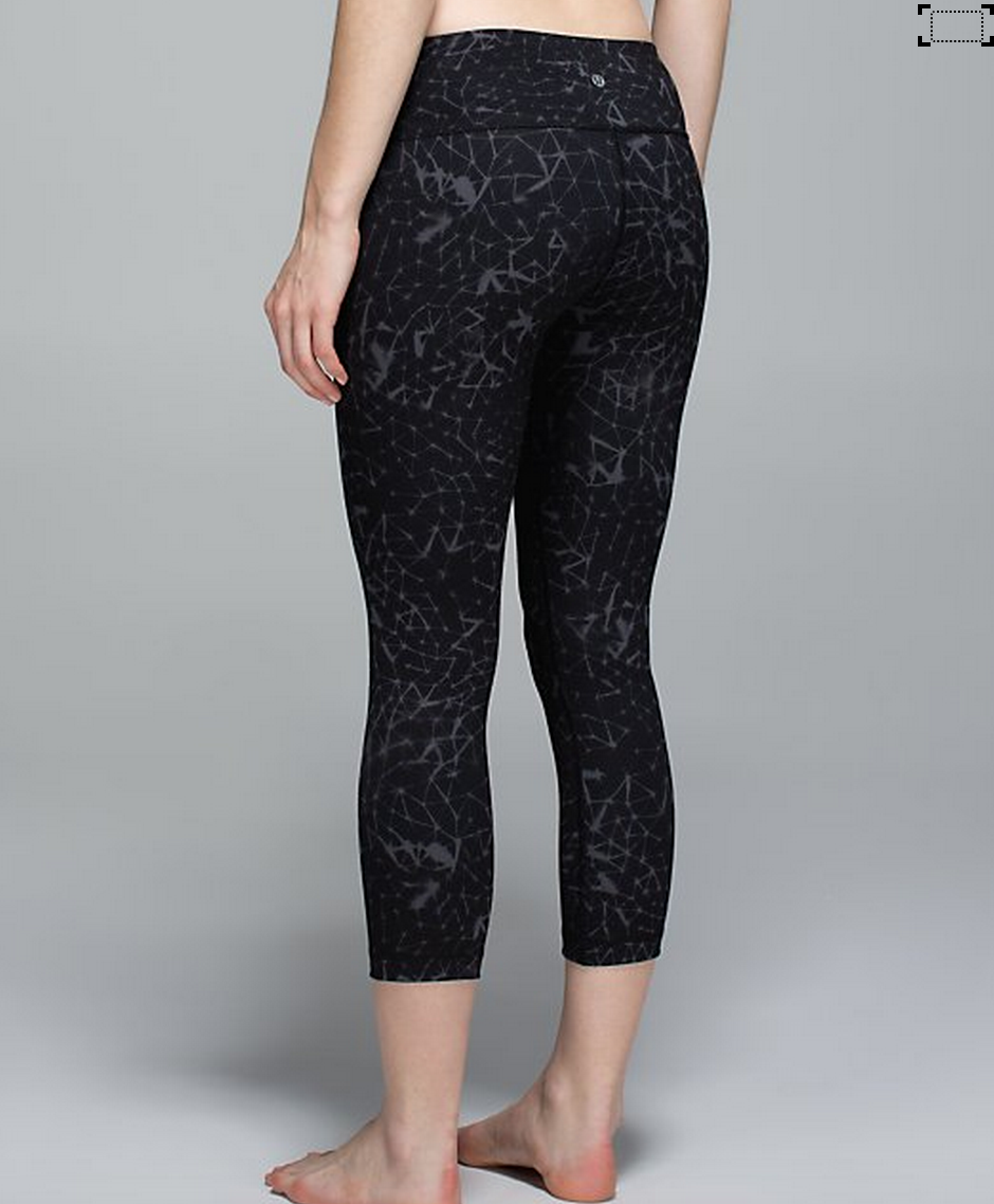 http://www.anrdoezrs.net/links/7680158/type/dlg/http://shop.lululemon.com/products/clothes-accessories/crops-yoga/Wunder-Under-Crop-II-Full-On-Luon?cc=17393&skuId=3601232&catId=crops-yoga