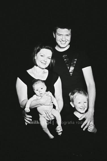 sesja zdjęciowa rodzinna, fotografia noworodkowa, studio fotograficzne w poznaniu, sesja na prezent