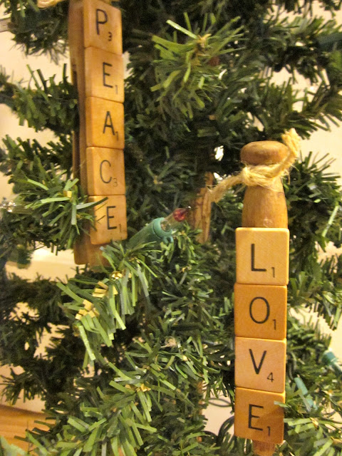 vintage scrabble clothespin ornaments www.homeroad.net