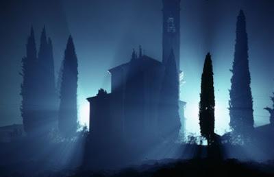 Kenapa waktu Magrib dan tengah malam dianggap waktu yang Mistis ?