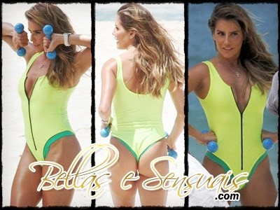 Deborah Secco - Flagras na Praia - Pack 01