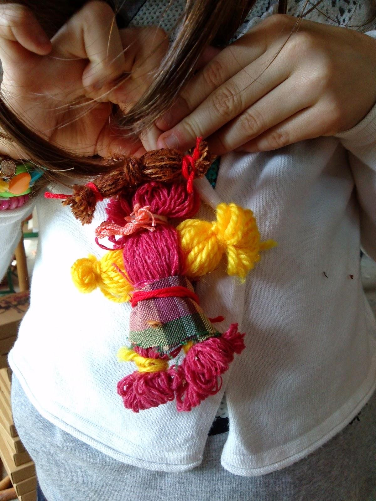 Super r-atelier: Bambole con il filo di lana: le Titine FF96
