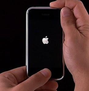 حل مشكلة الايفون معلق على التفاحة