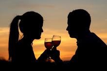 Brindemos por ti, por mi, y por lo feliz que soy cuando estoy con tigo.#