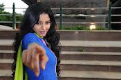 Sanam shetty new glamorous photos-thumbnail-3