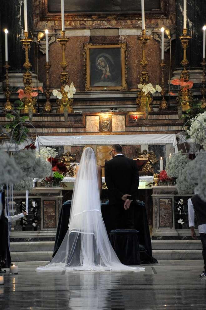 Matrimonio Romano Cristiano : Oggi sposi matrimonio pasquale romano del