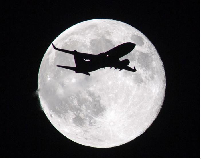 10 Gambar Supermoon @ 11 August 2014