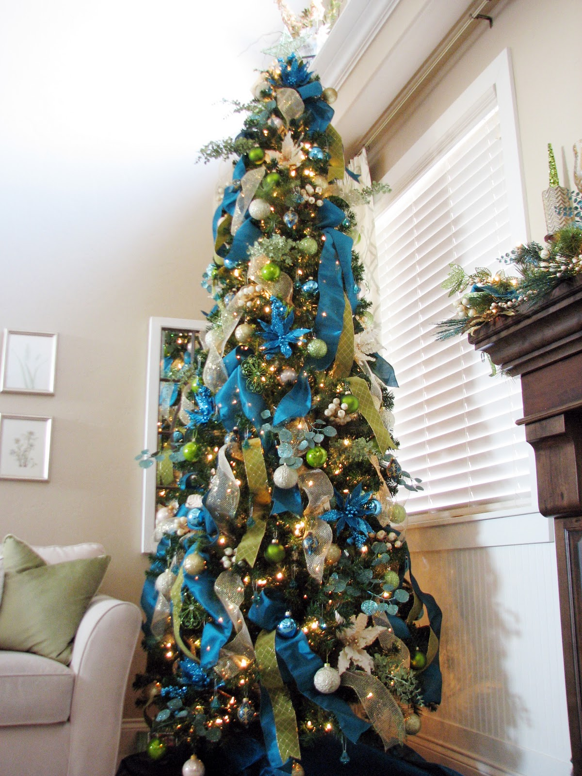 Christmas Tree Decorating With Ribbon Ideas : More christmas decor the tree sita montgomery interiors