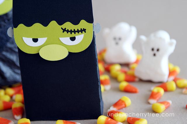 http://underacherrytree.blogspot.com/2014/10/monster-madness-bags.html