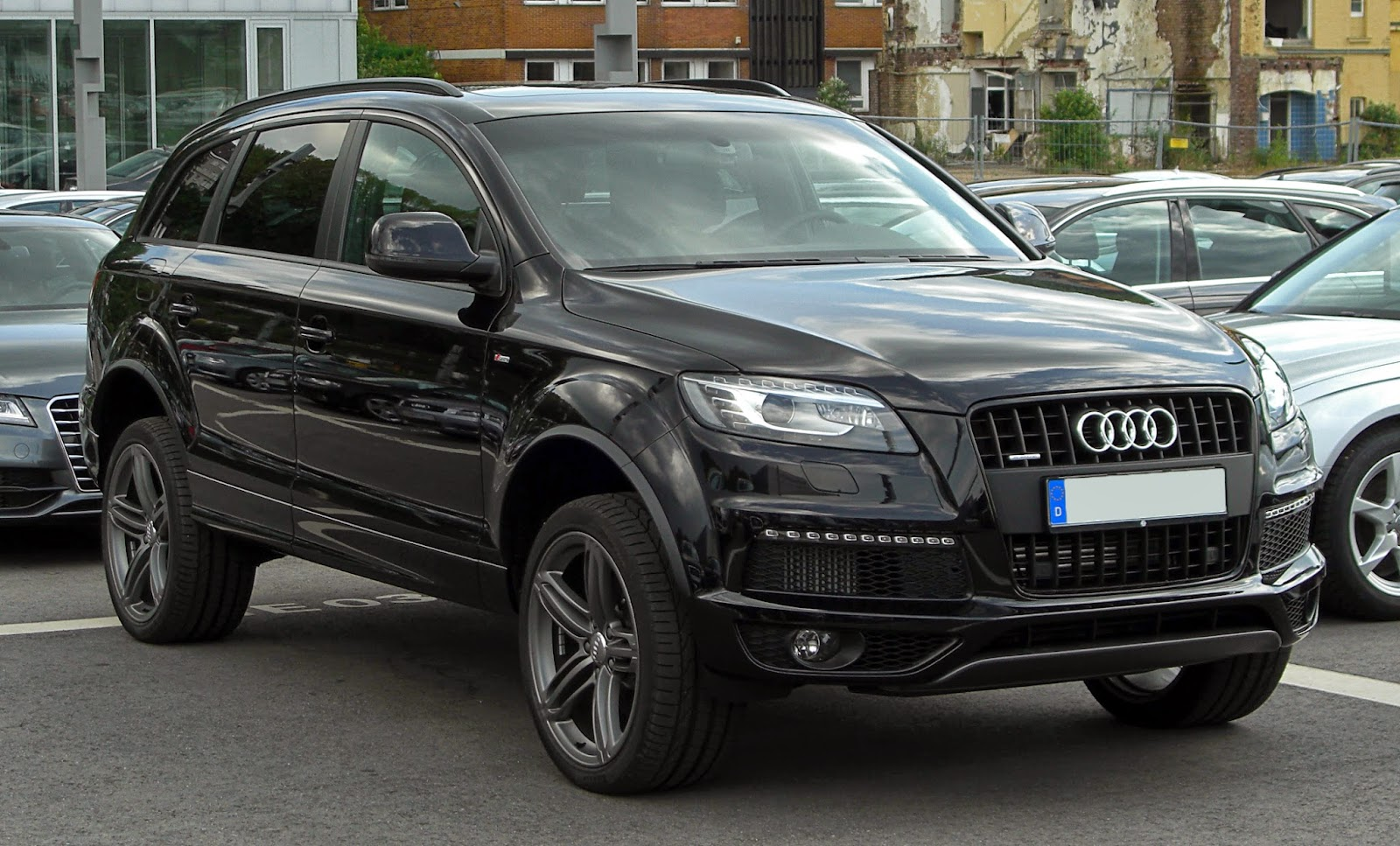audi q7 suv car information new cars information. Black Bedroom Furniture Sets. Home Design Ideas