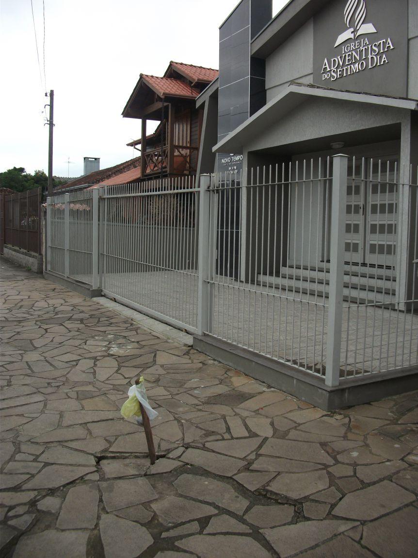 VEREADOR PEDE CONSERTO EM PASSEIO PÚBLICO