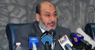 صفوت حجازي يهدد بإشعال الحرب الأهلية في حالة خلع مرسي