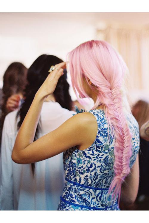 trenza espiga en pelo rosado 2013