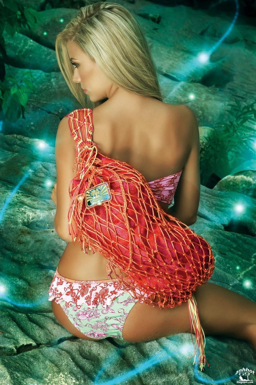 Lina-Posada-paradizia-swimwear-5