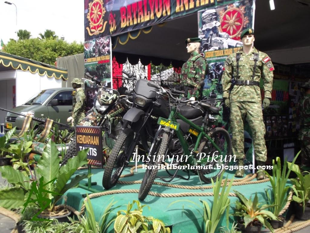 Pameran Alutsista TNI-AD di Alun-Alun Jember