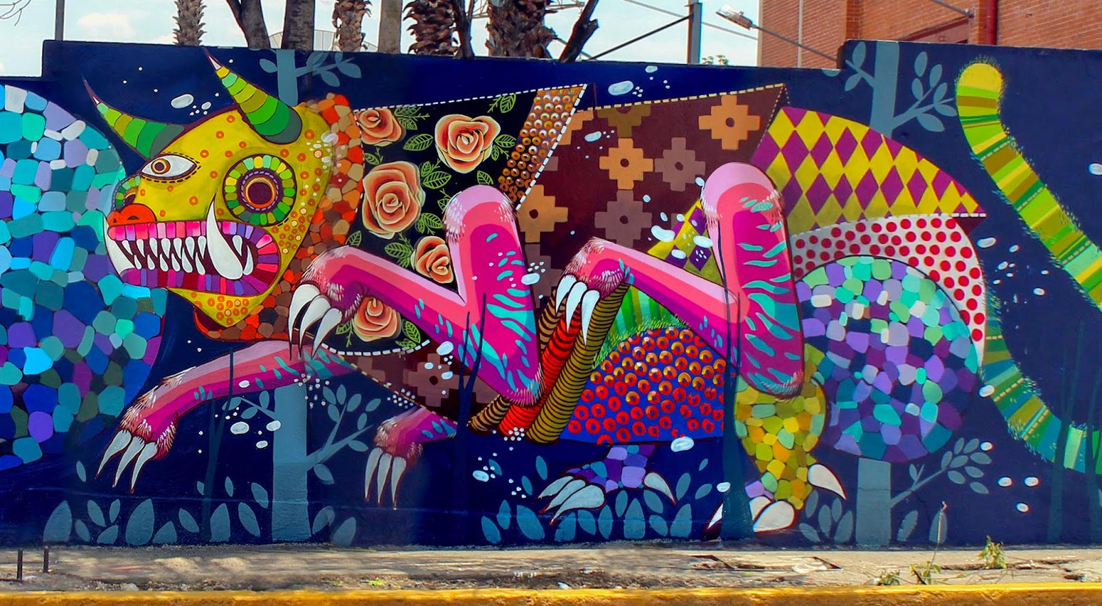 Gleo unonueve collaborate on a new mural in mexico city for Arte mural mexicano