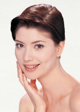 la manera mas segura y efectiva de blanquear la piel de la cara es el