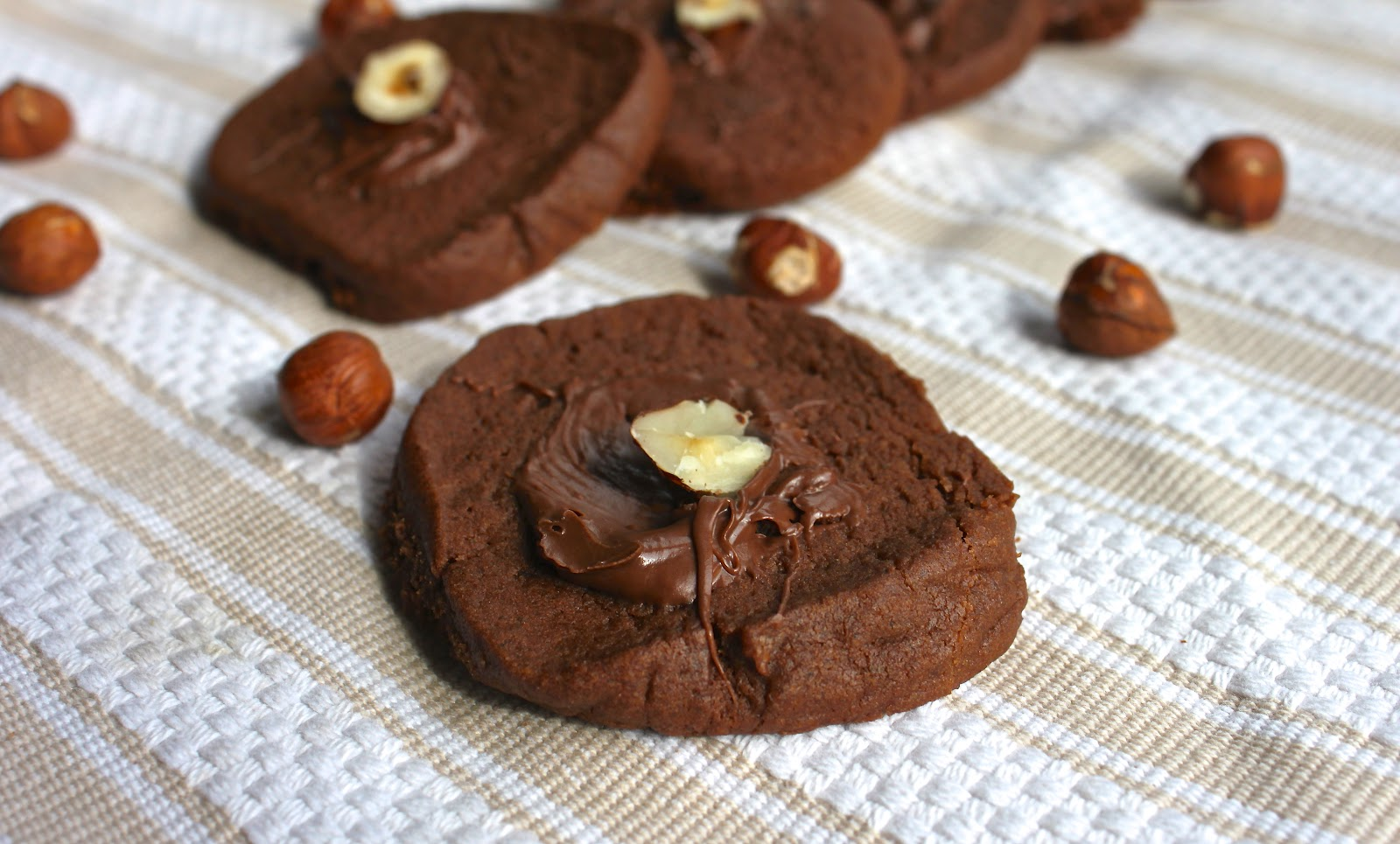 from which things grow chew on this nutella cookies. Black Bedroom Furniture Sets. Home Design Ideas