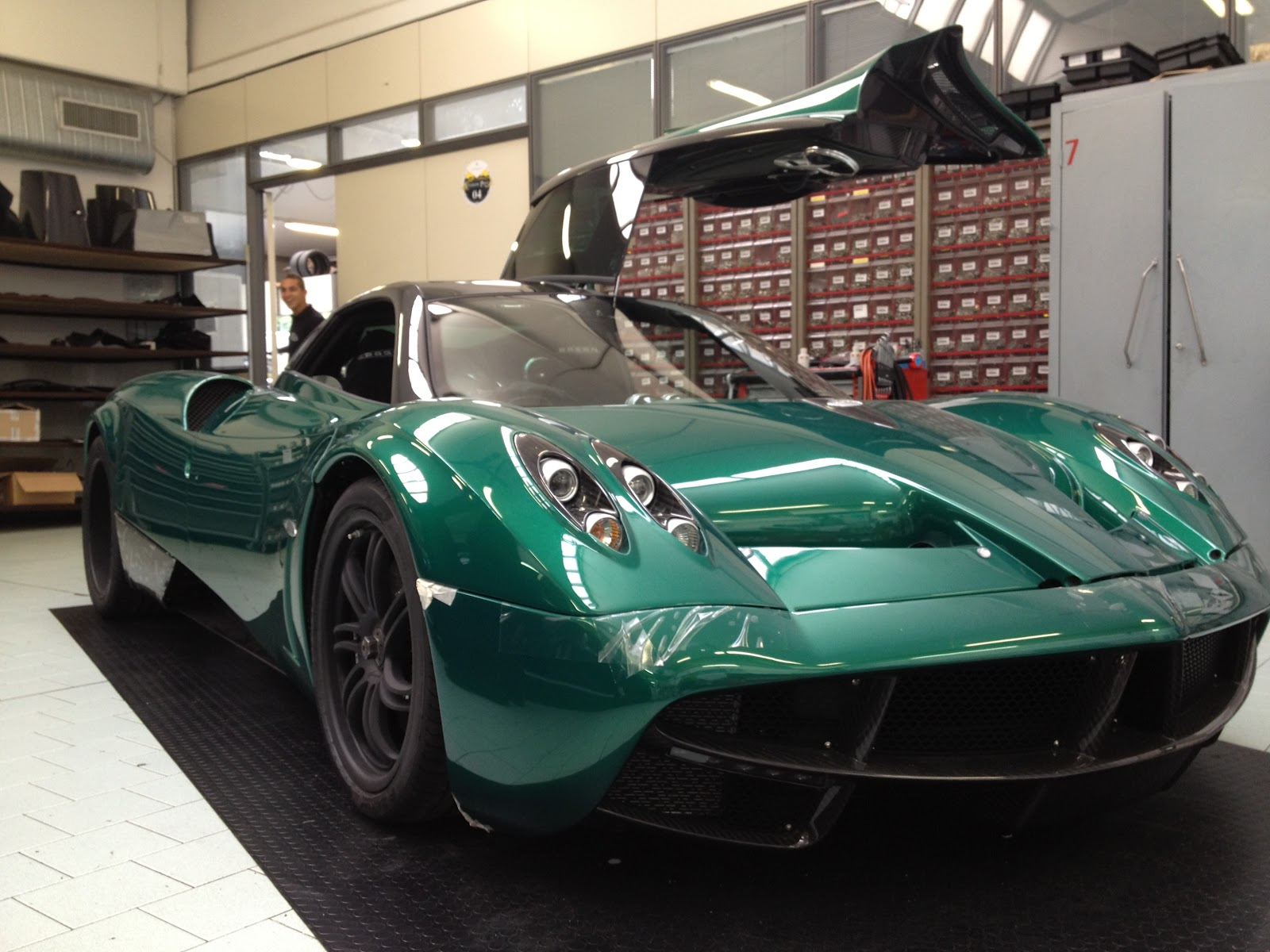 Marchettino - The ONLY official web Green Huayra to be delivered