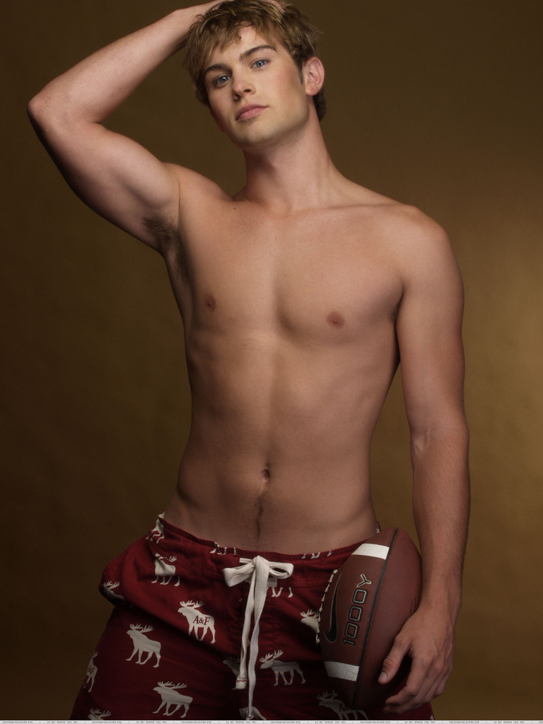 chace-crawford-shirtless3.jpg