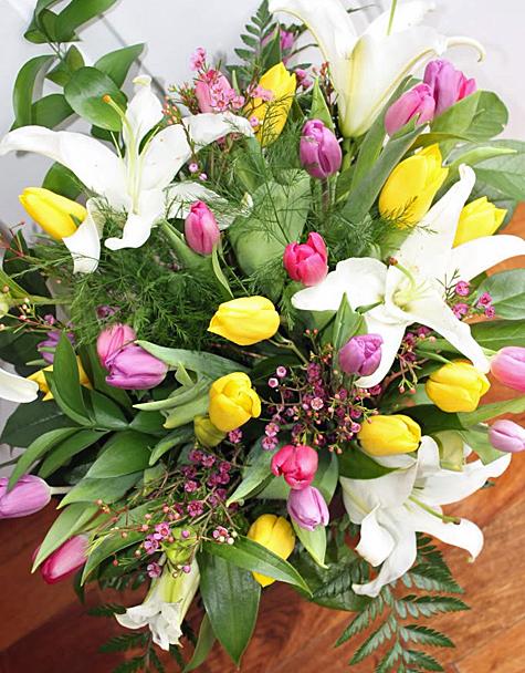 Scrumptious swirls easter diy flower arrangements